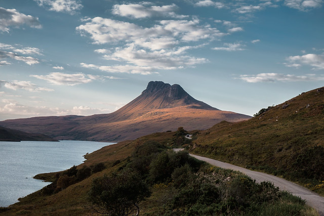 The road to Stac Pollaidh