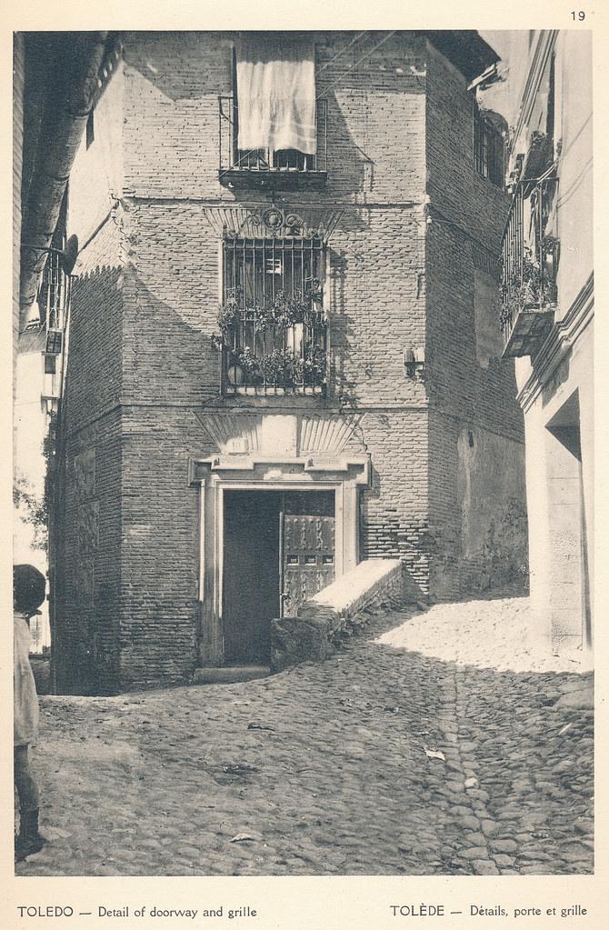 """Plaza del Cristo de la Calavera en Toledo en septiembre de 1924. Fotografía de F. R. Yerbury publicada en 1925 en """"Lesser known architecture of Spain"""". Colección de Eduardo Sánchez Butragueño."""
