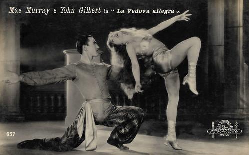 Mae Murray and John Gilbert in The Merry Widow (1925)