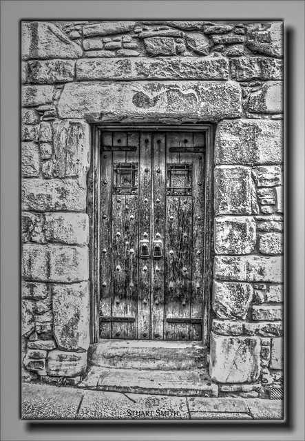 Old Door, Tolbooth Tavern, The Royal Mile, 167 Canongate, Edinburgh, Scotland UK