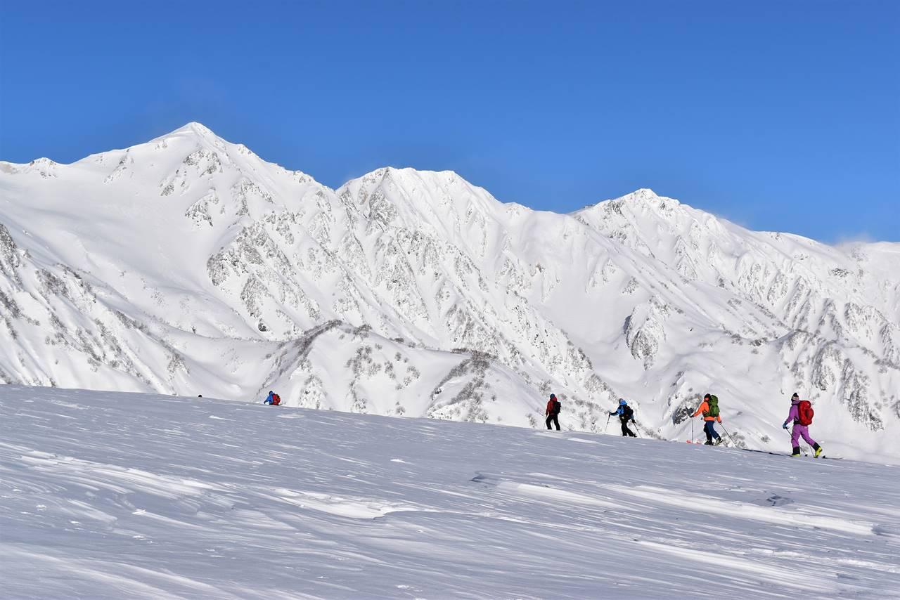 【北アルプス】冬の唐松岳 絶景の八方尾根を行く雪山登山