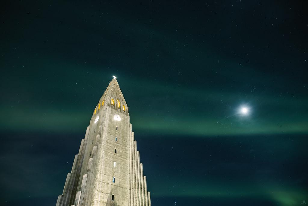 Northern Lights (Aurora Borealis) - Hallgrimskirkja