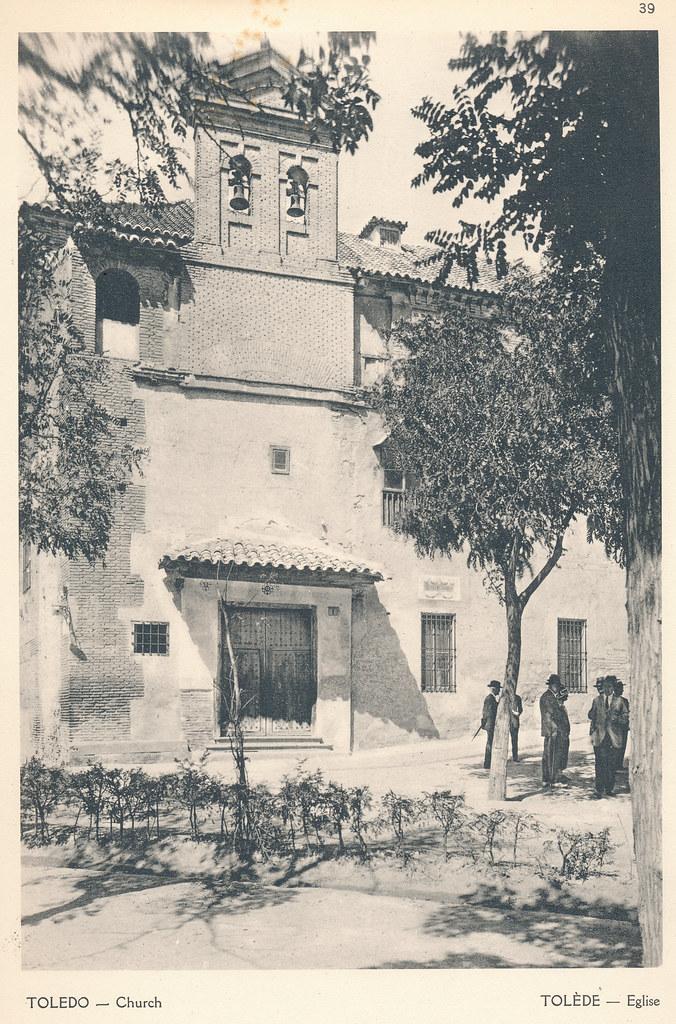 """Sinagoga del Tránsito en Toledo hacia 1924. Fotografía de F. R. Yerbury publicada en 1925 en """"Lesser known architecture of Spain"""". Colección de Eduardo Sánchez Butragueño."""