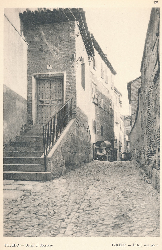 """Escalerilla de la Magdalena en la calle Trastámara de Toledo en septiembre de 1924. Fotografía de F. R. Yerbury publicada en 1925 en """"Lesser known architecture of Spain"""". Colección de Eduardo Sánchez Butragueño."""