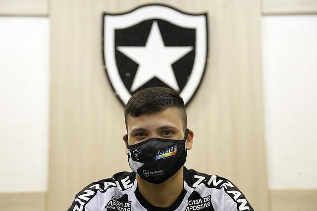 Ronald assina contrato com Botafogo - 20/02/2021