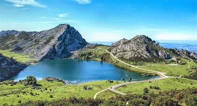 El lago de Enol.  Covadonga.  Asturias.