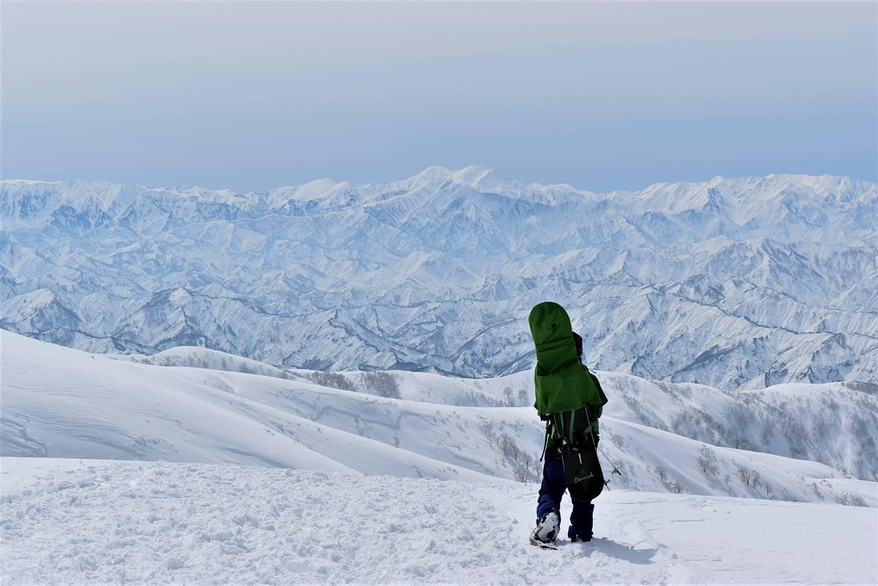 【新潟】守門岳 東洋一の大雪庇へ 日帰り雪山登山