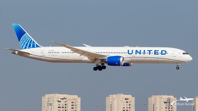 TLV - United Boeing 787-10 N14011