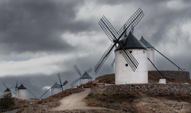 Espiral Aurea. Los Gigantes de Don Quijote