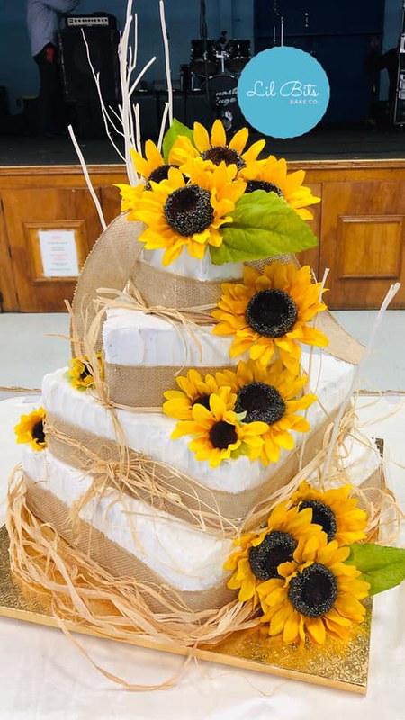 Cake by Lil Bits Bake Co.