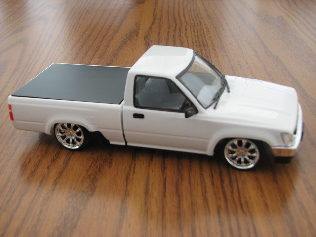 Toyota Pickup Right Side
