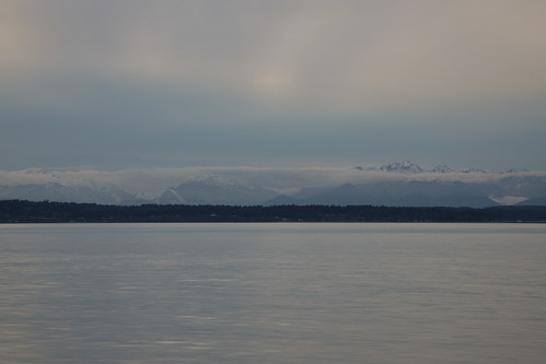 Olympic peninsula from Golden Gardens Park | by Jose David
