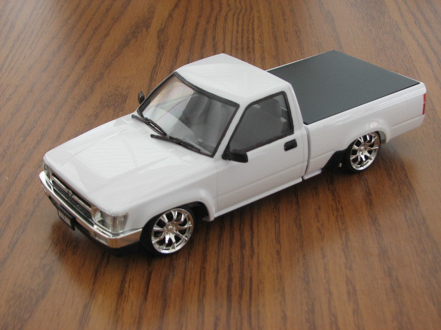 Toyota Pickup Left Front