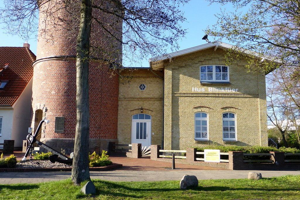 Lübeck: Altes Leuchtturmwärterhaus Travemünde