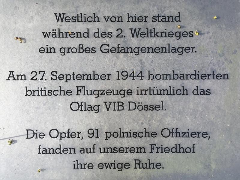 Erinnerungstext am Eingang des ehemaligen Kriegsgefangenenlagers Oflag 6b in Dössel