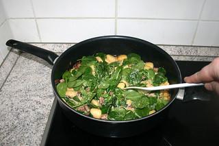20 - Fold in spinach / Spinat unterheben