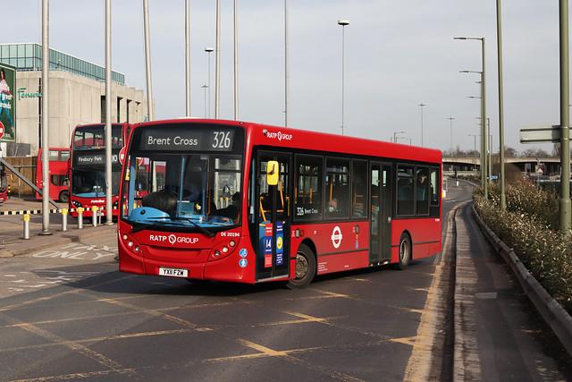 Route 326, London Sovereign, DE20194, YX11FZW