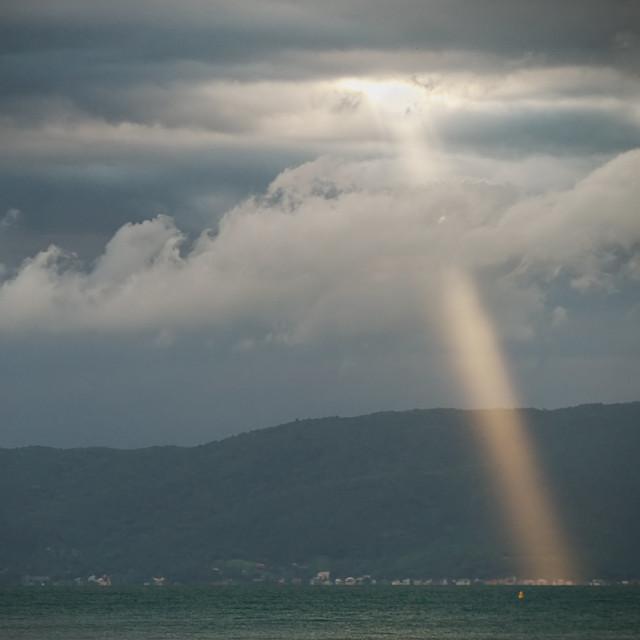 P1080319 r tr1_f - Linterna celeste / Celestial flashlight