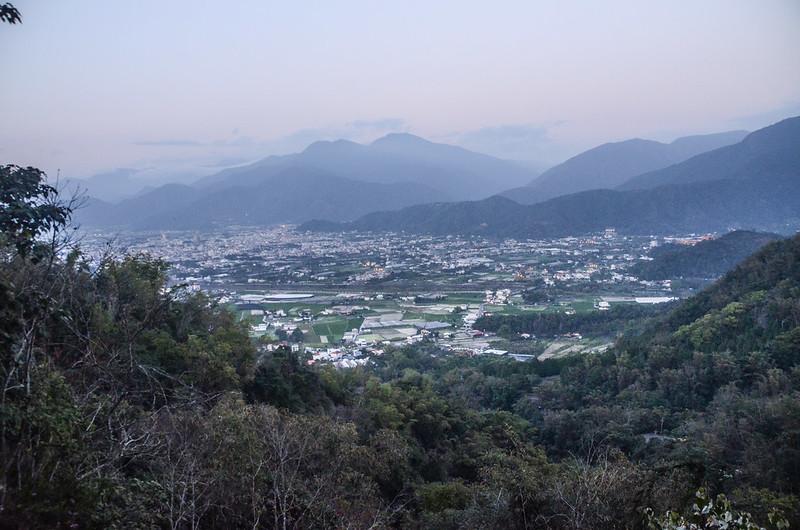 白葉山產道北邊俯瞰埔里市區 (4)