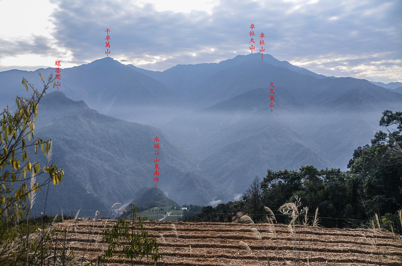 水頭谷山東南遠眺干卓萬、卓社大山 (2)-1