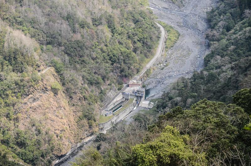 久久巢山稜線(H 1240 m)俯瞰栗栖壩 (1)