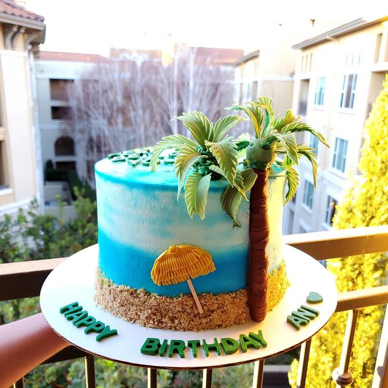 Cake by Rish Cake Studio