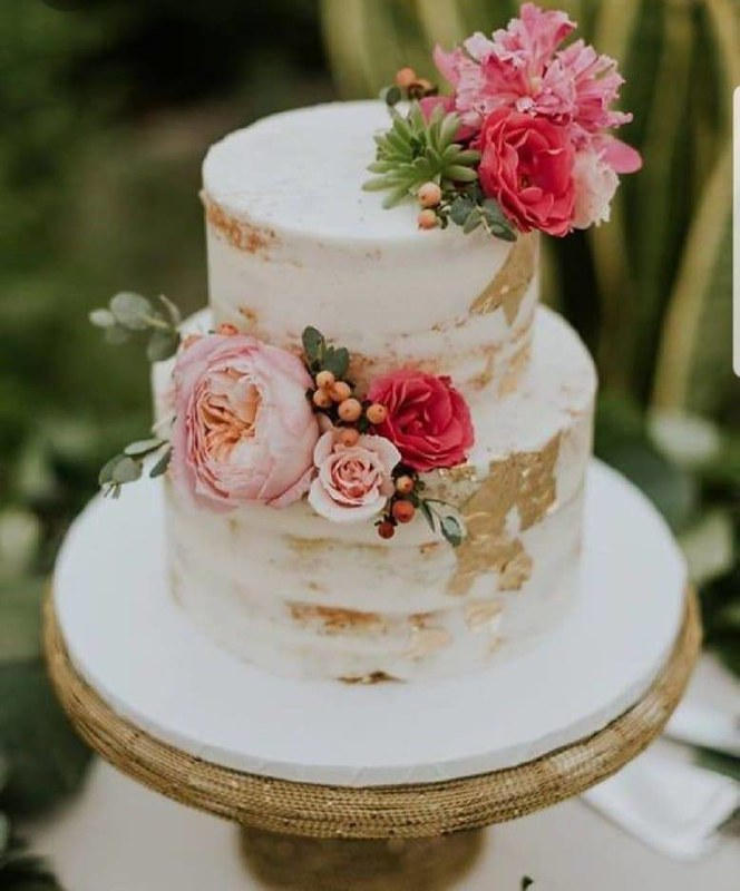 Cake by OH Sweets Bakes & MORE