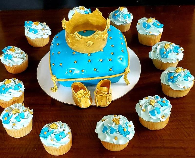 Cake by Chhavi's Cakery