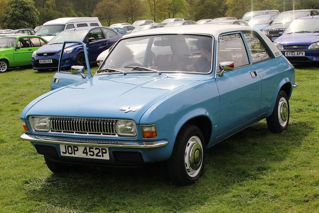 378 Austin Allegro (Ser 1) 1100DL 2 door Saloon (1975) JOP 452 P
