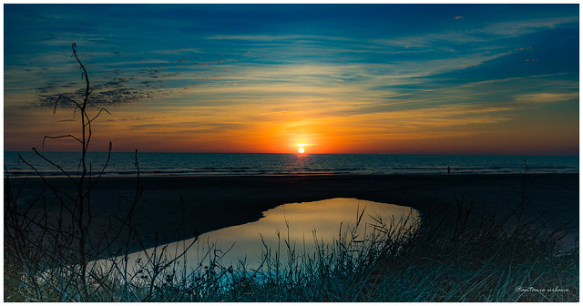 Reflejos de un atardecer otoñal // Reflections of an autumnal sunset