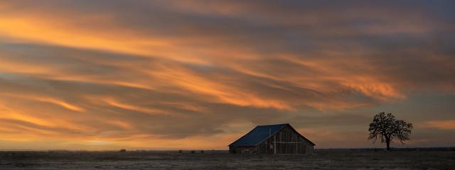 Sunset at Bobs farm barn