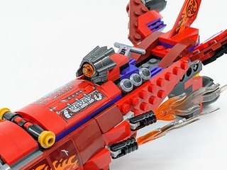 80019: Red Son's Inferno Jet | by BricksFanz.com