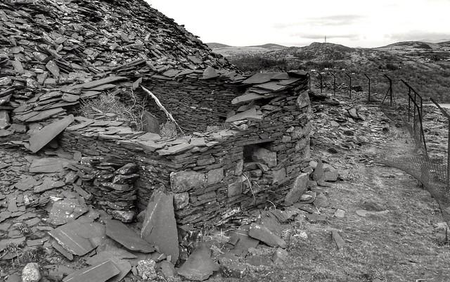 Derlic slate building