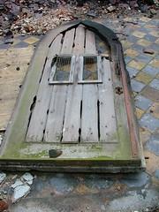 transept door