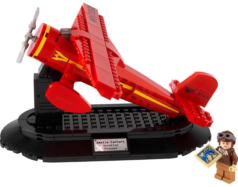 LEGO Amelia Earhart GWP 2