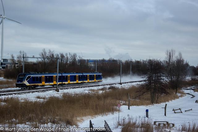 20210209_NL_Amsterdam-Geuzenveld_NS SNG 2361 with train 5451