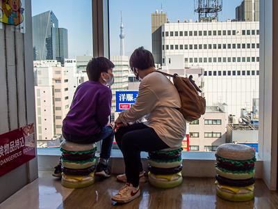 Nihon_arekore_02333_Hamburger_seats_100_cl