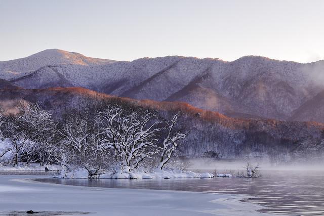 Morning light on the mountain ridge