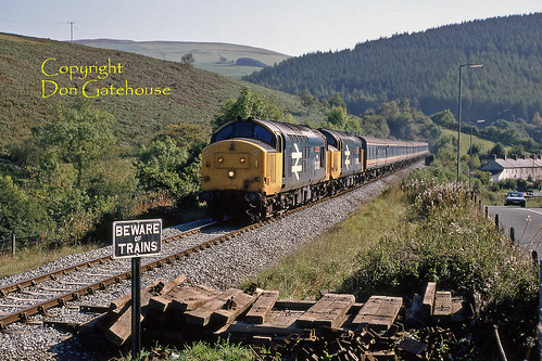 britishrail br ee type3 class374 comminscoch cambrian nse networksoutheast sleepers castsign bewareoftrains 1j24