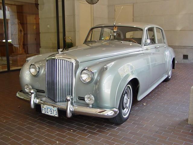 Bentley S2 at Fairmont Hotel