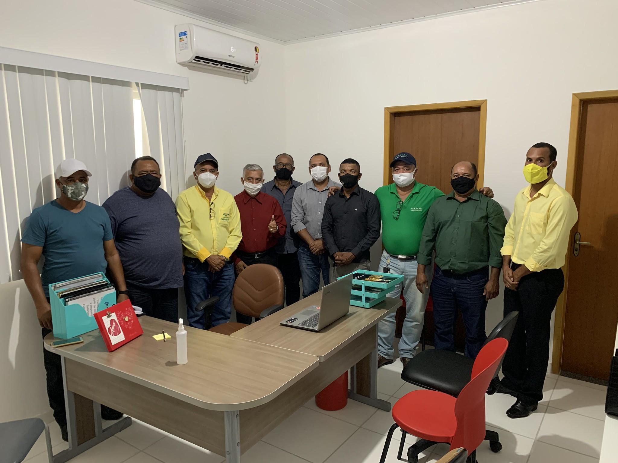 Silvio Ramalho (Prefeito de Caravelas) e nove dos onze vereadores do município (1)