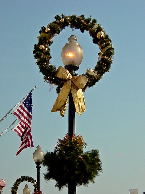 Lamppost in Georgetown, decorated for Christmas