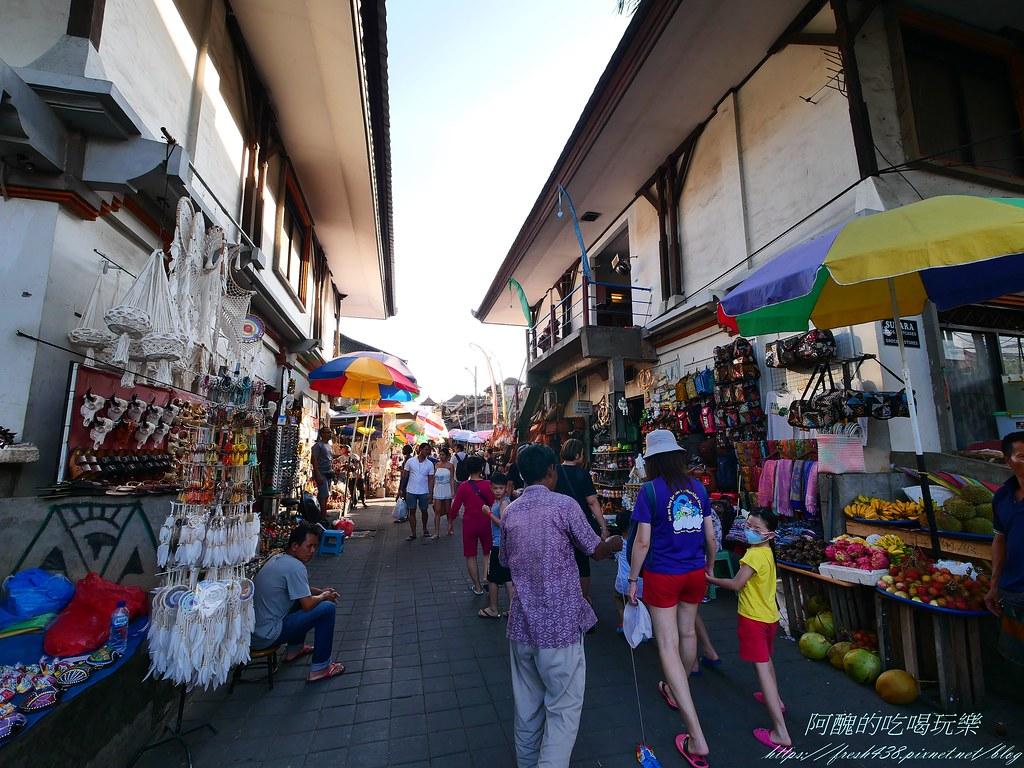 P1015797烏布傳統市場營業時間是8點-18點