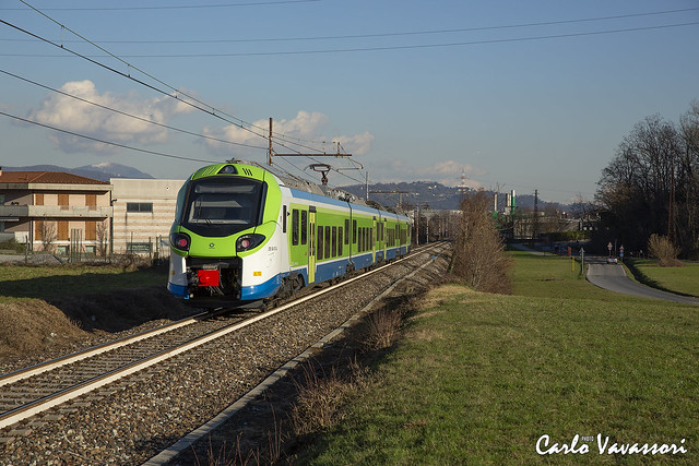Trenord ETR104.017 - Ambivere (BG)