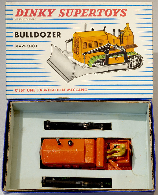 French Dinky Toys No. 885 Blaw-Knox Bulldozer in box