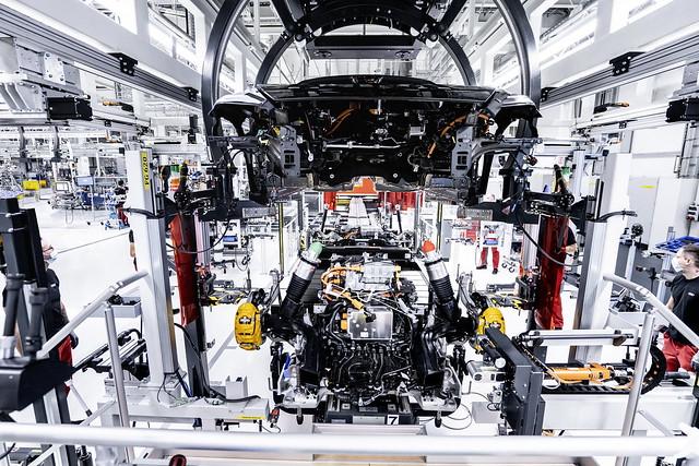 2022-Audi-e-tron-GT-93