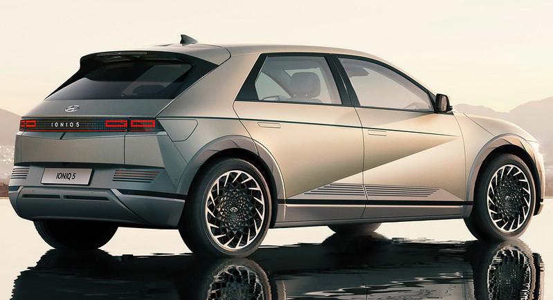 Hyundai-Ioniq-5-11