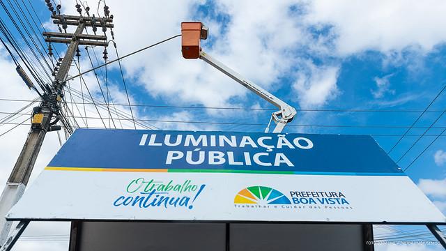 2021.02.23 Troca de lâmpadas antigas para lâmpadas de LED na Av. Mário Homem de Melo Foto  Katarine Almeida