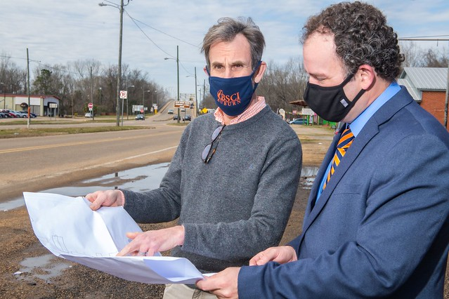Richard Burt and Keith Hébert examine schematics of Selma, Alabama.