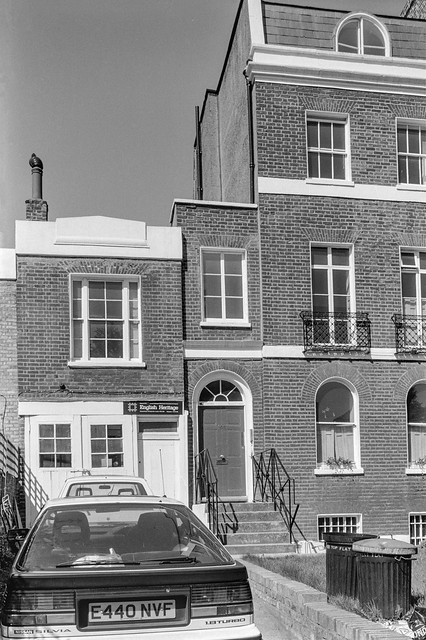 Brixton Rd, Brixton, Lambeth, 1989 89-5c-12